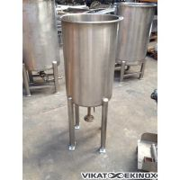 Stainless steel tank 80 litres, on 4 legs