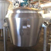 Cuve inox 316L agitée double enveloppe 1650 litres