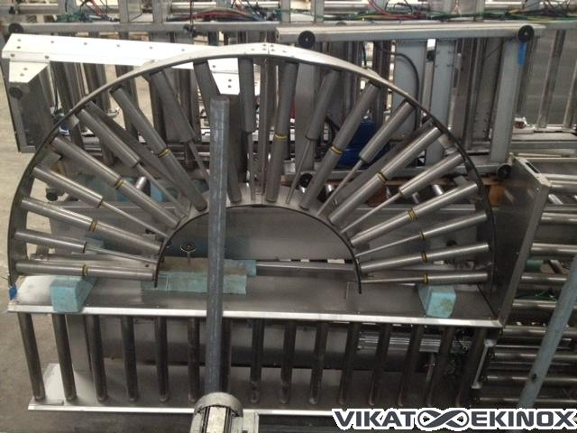 Stainless steel roll conveyor, circle shaped
