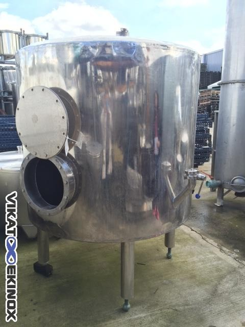 Stainless steel tank 1800 Litres