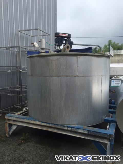 Insulated PPH mixing tank 2900 litres