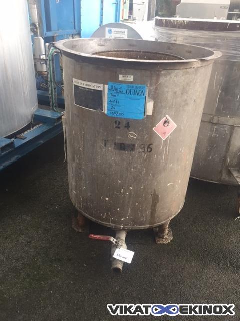 SS open tank on legs 550 litres