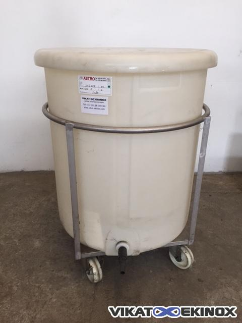 Plastic tank 500 litres with stainless steel frame, on wheels