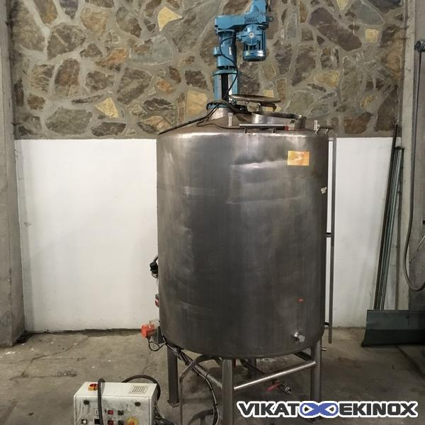 St. steel double jacket mixing tank 2200 litres