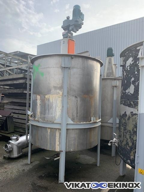 Agitated stainless steel tank 4000 litres