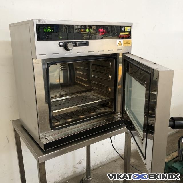 Memmert Universal oven 250°C – 32 litres type UNE 200