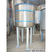 Stainless steel tank of 1250 liters