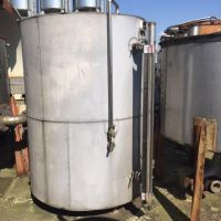 Stainless steel vertical insulated tank approx.2500L