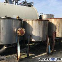 Stainless steel vertical tank cap.2000L diam.1500 H.1110