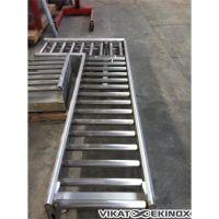 Convoyeur à rouleaux inox 2550 mm en L