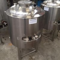 Cuve inox double enveloppe 169 L, agitation magnétique, calorifuge étanche