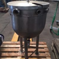 Stainless steel tank 75 litres on legs