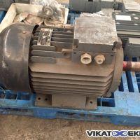 Moteur Efacec 15 KW 1470 Tr/min Type : BF5 180 M4 4/8