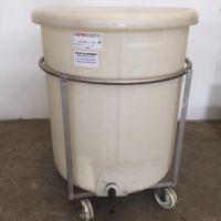 Cuve plastique 500 litres sur châssis inox sur roues