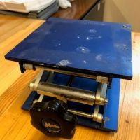 Table élévatrice plateau 150 x 150 mm