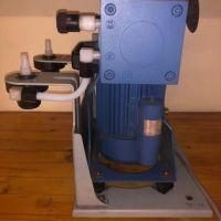 Pompe à vide de labo 1,7m3/h Vacuubrand