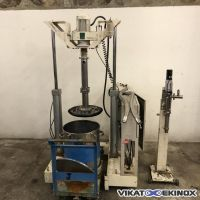 Drum emptying press