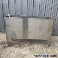 500 L stainless steel tank on wheels